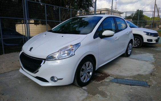 Peugeot 208 1.4 HDI ACTIVE TOUCHSCREEN